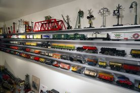 O Scale Display Case