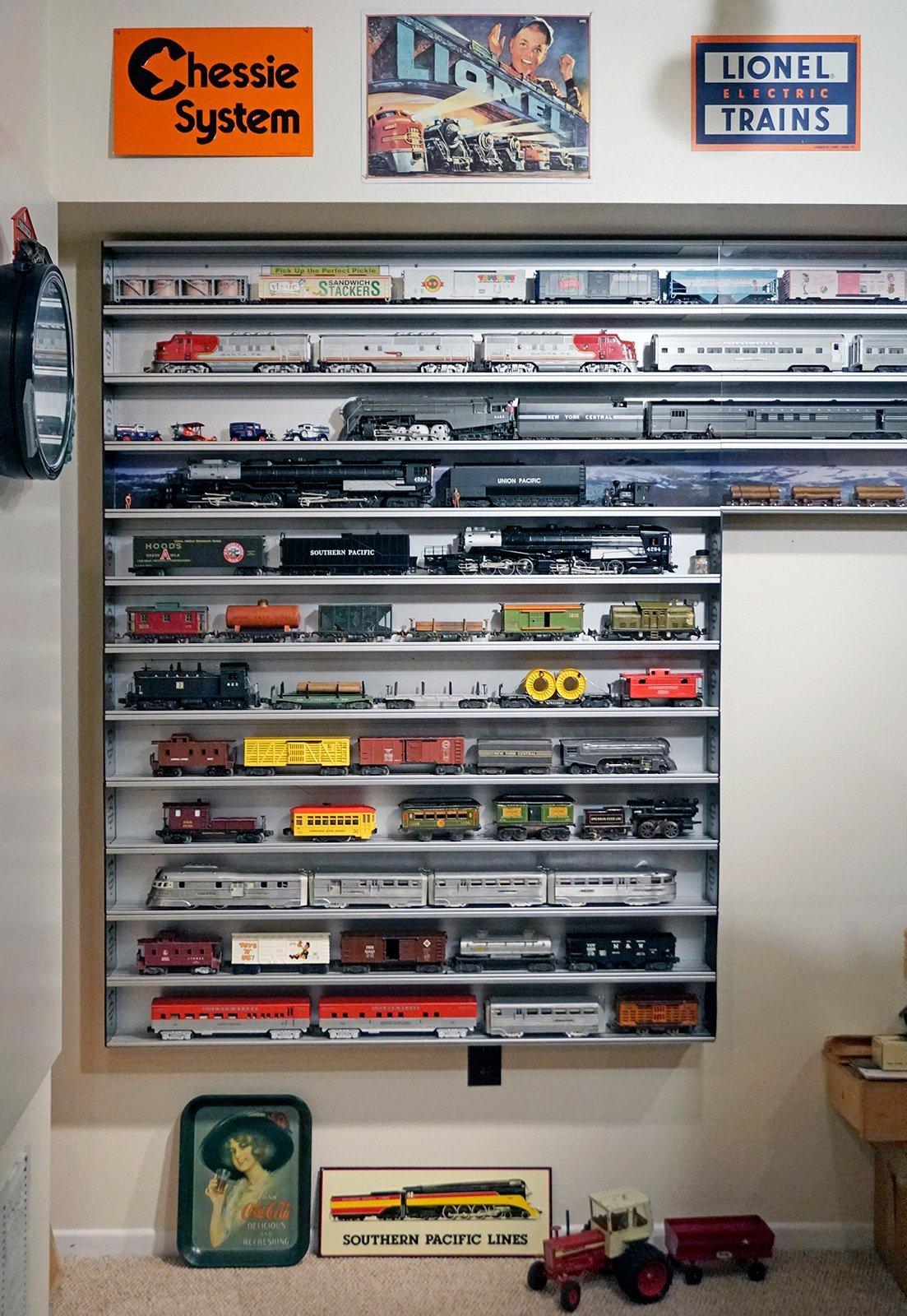 Train Display Case O Scale Showcase Express