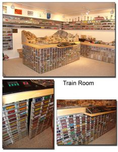 O scale wall mounted display case
